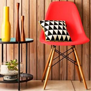 Kit 02 Cadeiras Eiffel Charles Eames Vermelho com Base de Madeira DSW