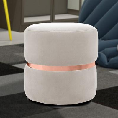 Kit 2 Puffs Decorativos Com Cinto Rosê Round B-309 Veludo Bege Claro - Domi